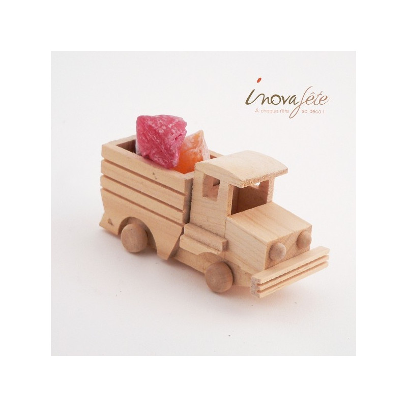 camion de bois naturel
