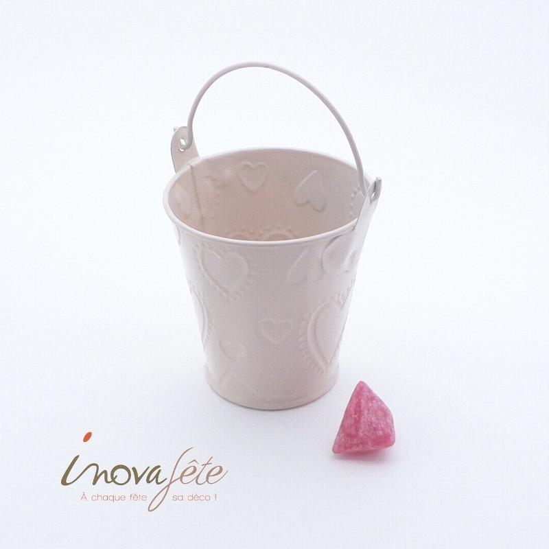 Petit seau métal rose poudré décor cœurs - Label Fête