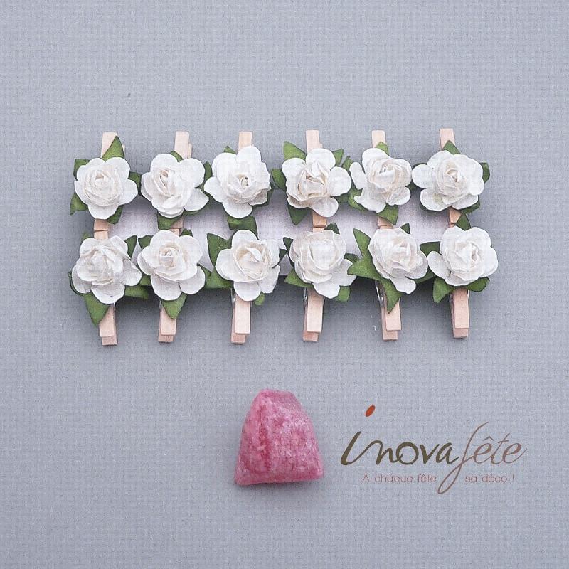 Pince bois naturel fleur blanche /12 - Label Fête