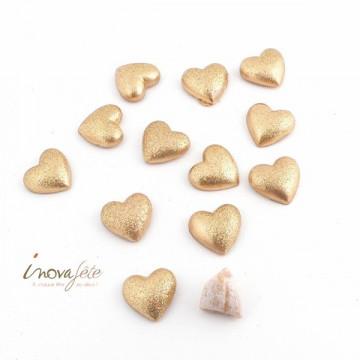 Coeur pailleté or /12, une très chic décoration de table de mariage