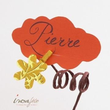 Pince bois fleur jaune et or /12
