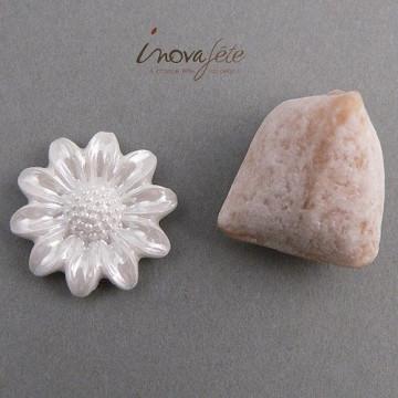 Fleur blanche nacrée /68