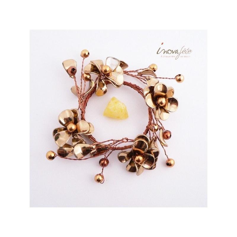 Anneau fleurs et perles effet métal - Label Fête